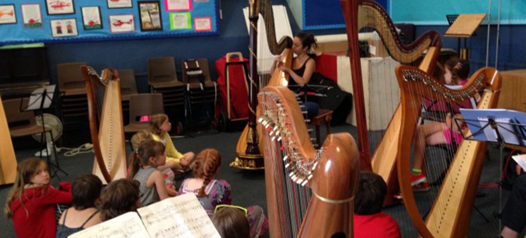can-i-learn-to-play-the-harp-in-10-lessons-
