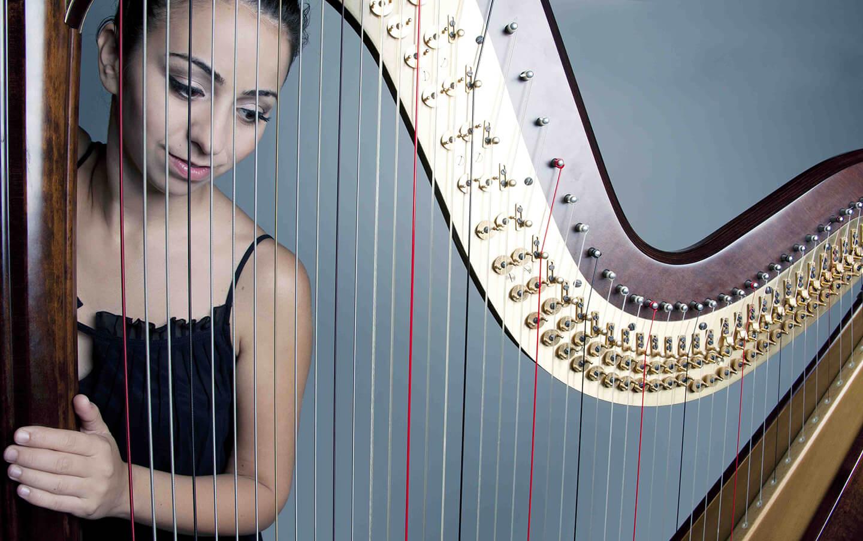 lidia-international-harpist